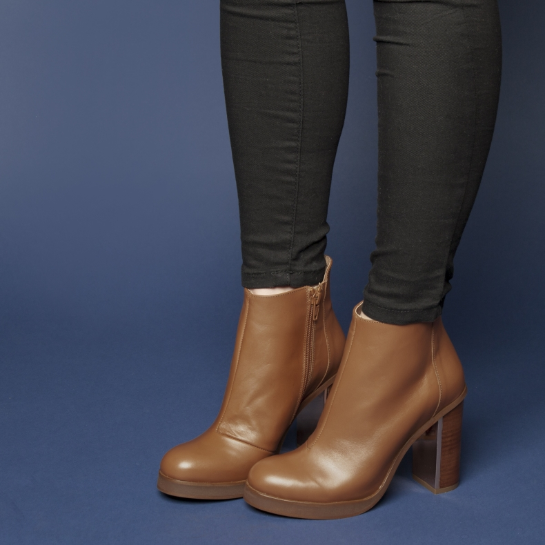 schuh Flash brown tan high heel ankle boots