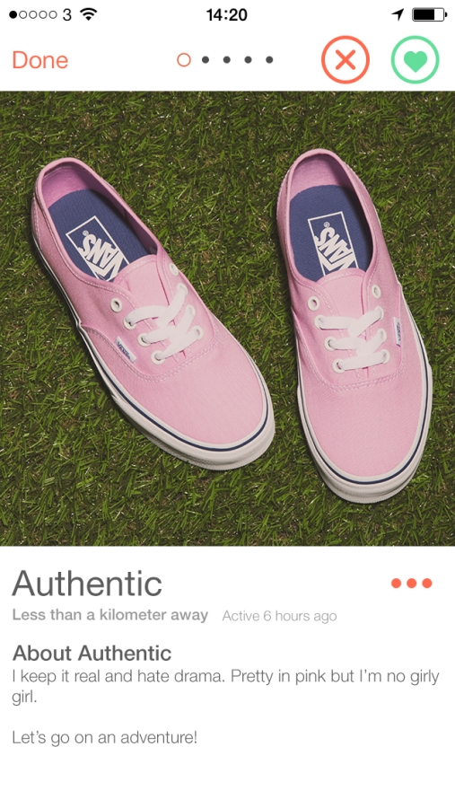 womens-pale-pink-vans-authentic-in-fabric-profile