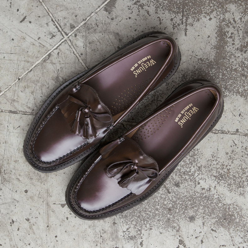 Burgundy GH Bass loafers with chunky sole and tassel.