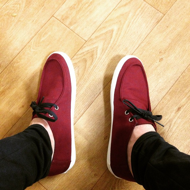 mens-vans-rata-vulc-trainers-in-burgundy-fabric