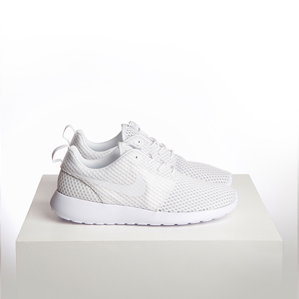 Nike Roshe Run All White Triple White Trainers schuh