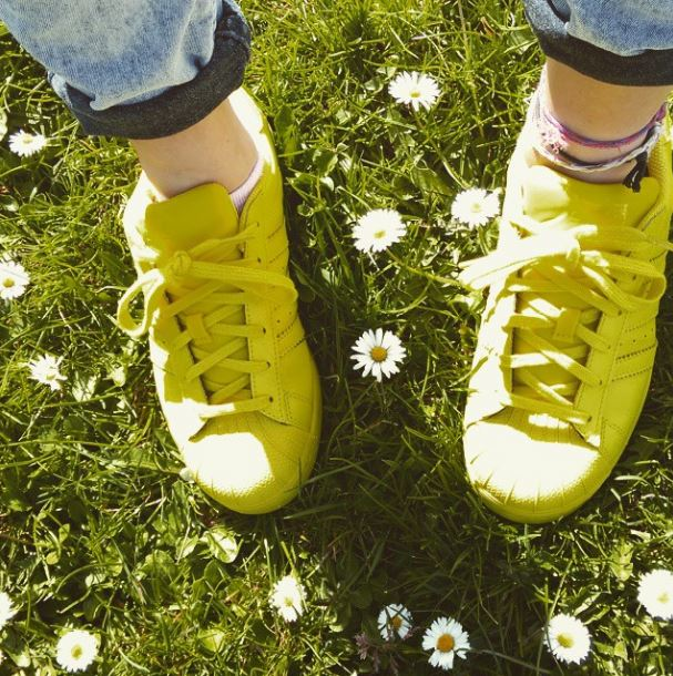 yellow-adidas-supercolor-trainers-schuh