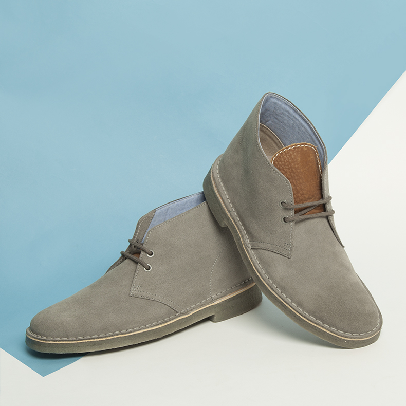 mens clarks originals light grey suede desert herschel boots with tan tongue