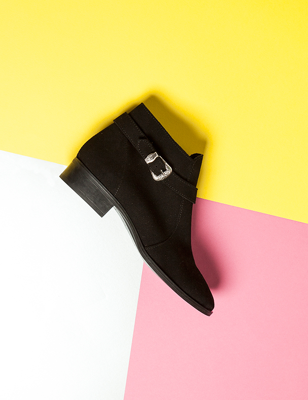 schuh-western-style-black-suede-ankle-boots