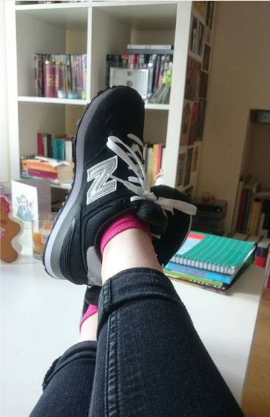 womens new balance 574 black and white trainers