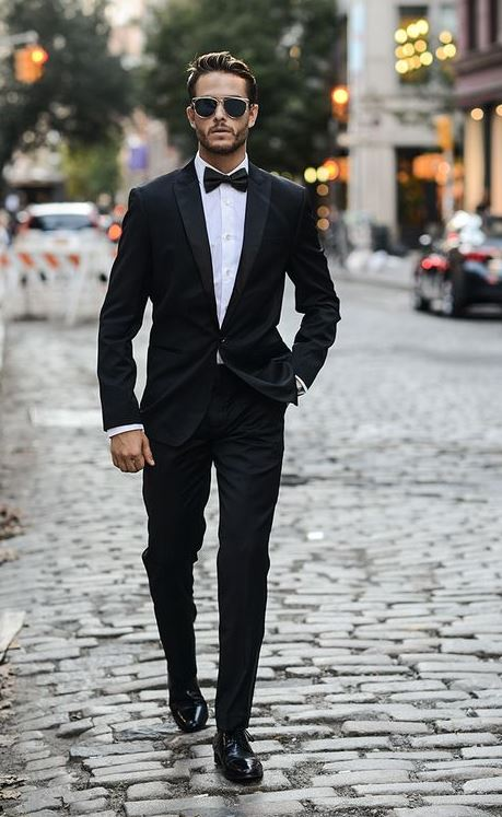 our guide to what shoes to wear with a suit