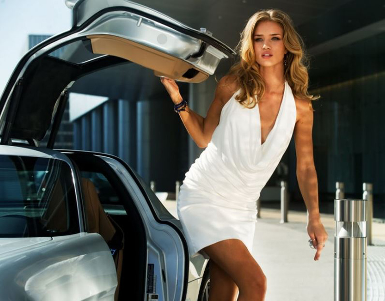 rosie huntington whiteley in transformers 2011