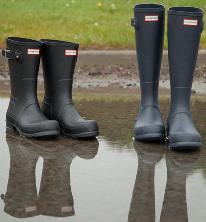 hunter wellies in short black and tall navy