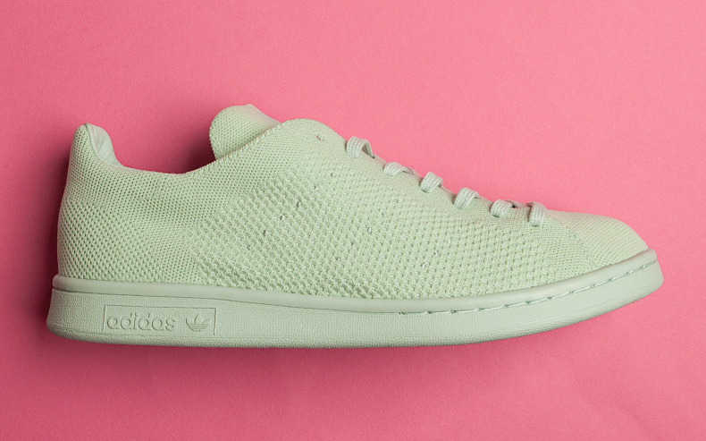 side profile of adidas stan smith primeknit green trainer