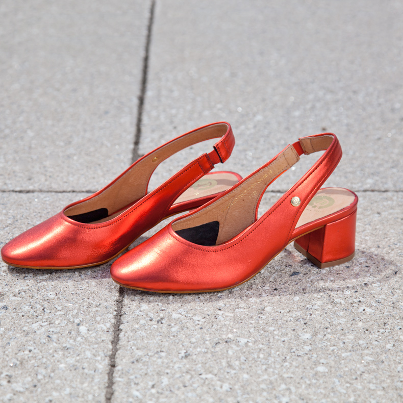 womens red or dead rogers glove shoes on schuh blog