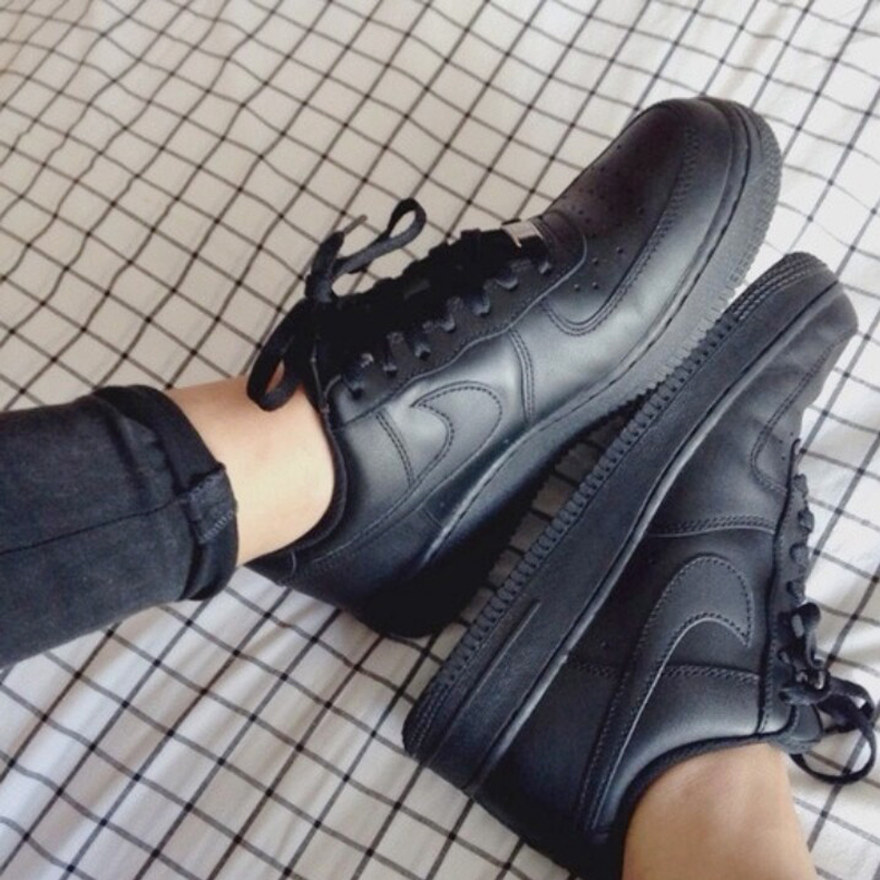 Black Nike Air Force 1 Trainers schuh