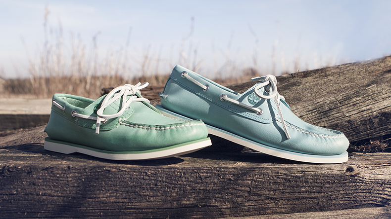timberland classic boat shoes in green and blue