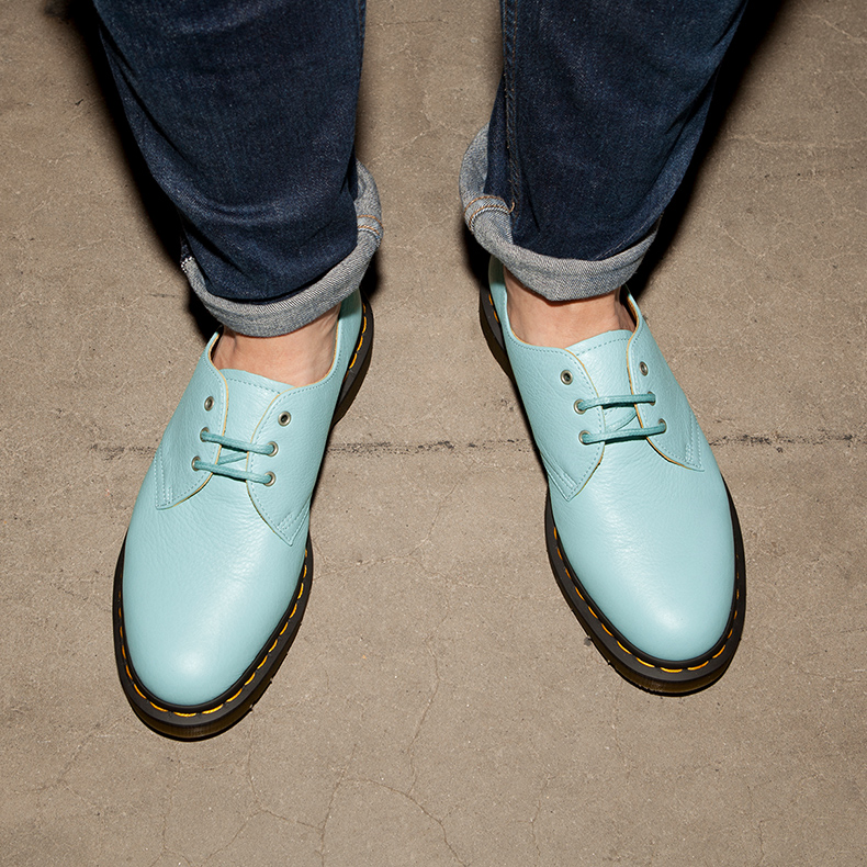Dr Martens Hug Me in 3-Eye Turquoise