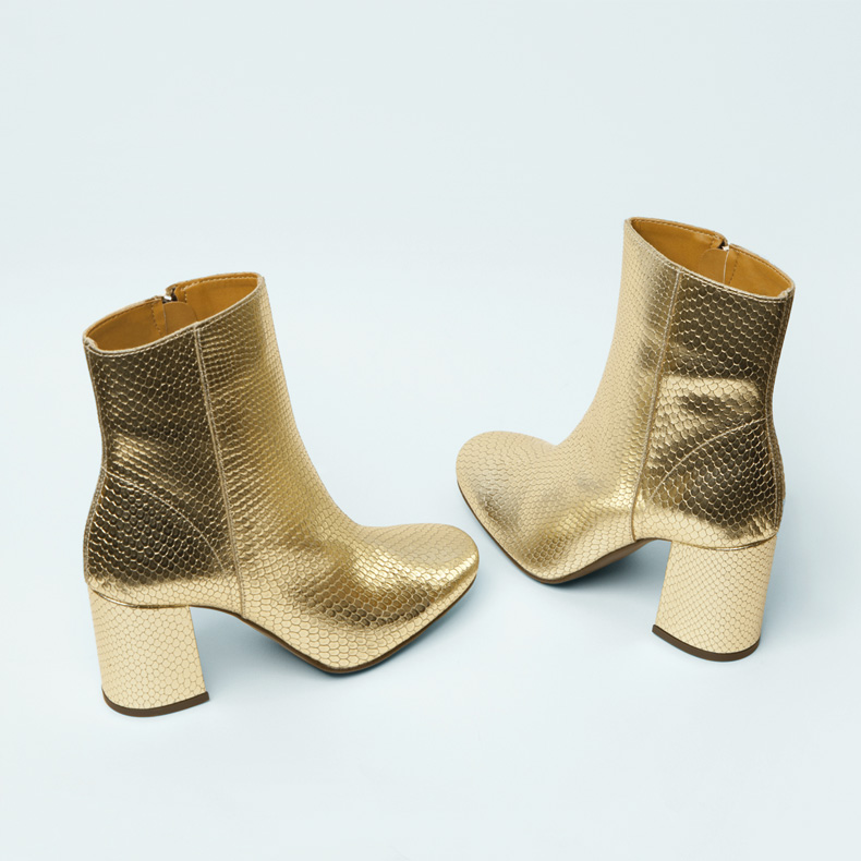 schuh Aladdin snake effect gold heeled ankle boots