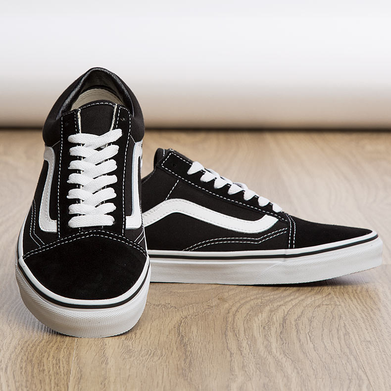black vans old skool trainers