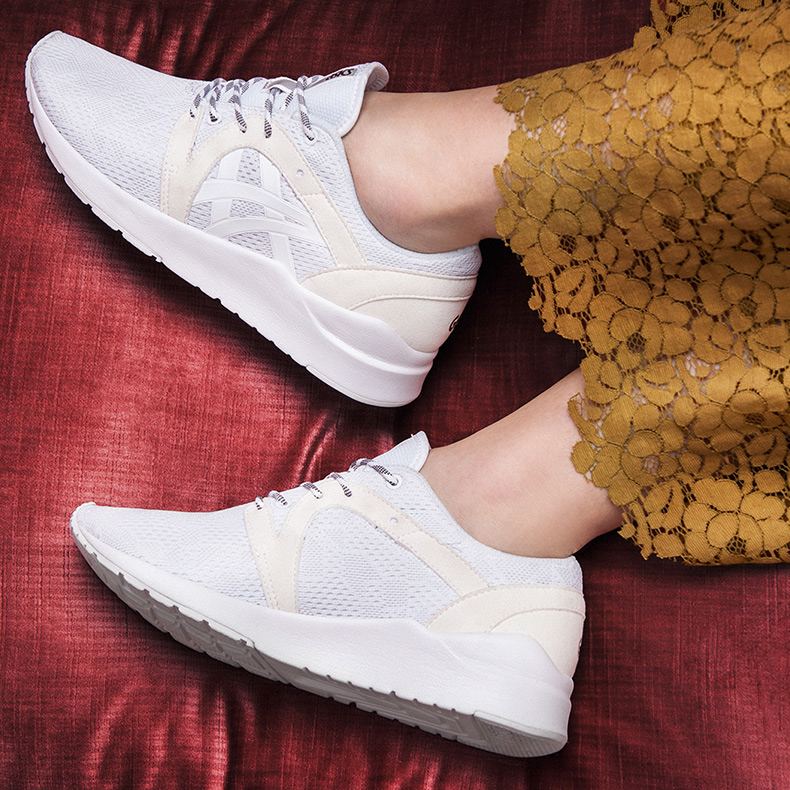 womens asics tiger gel lyte komachi trainers in white at schuh