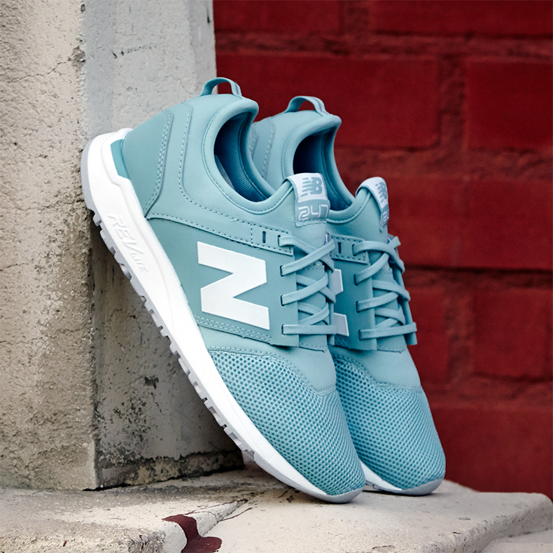 New Balance 247 in blue