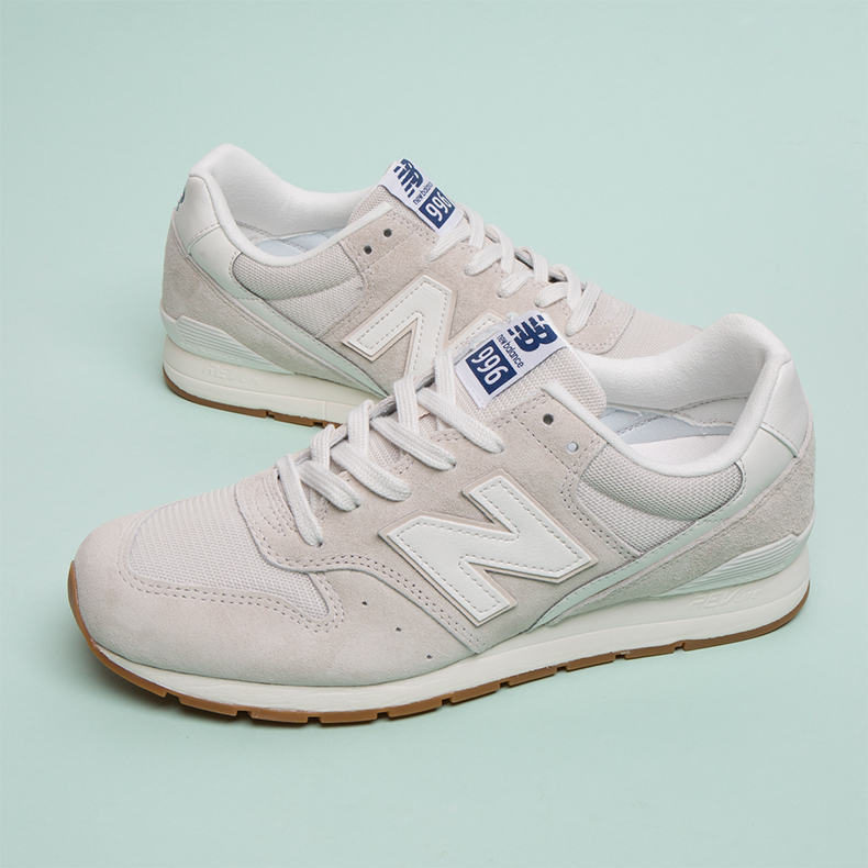 New Balance 996 in Stone