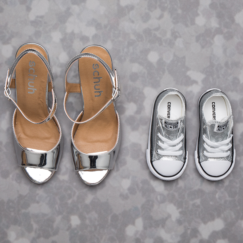 family styling mum and daughter metallic